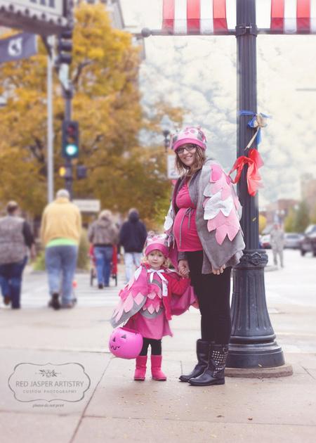 Posing on a limb or street corner.