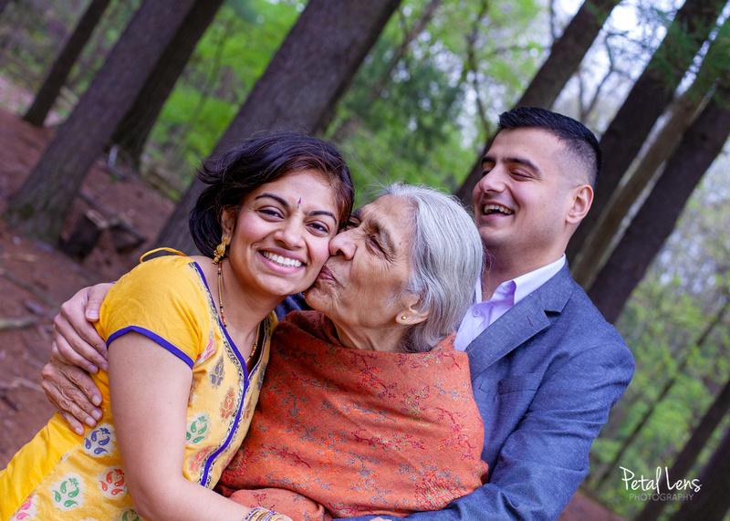 Multigeneration family photoshoot in Ann Arbor MI